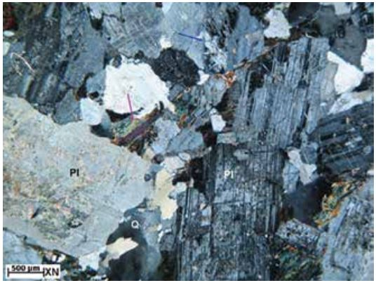 Characterisation of acid treatment for damaged zone in fractured granitic basement of Bach Ho field