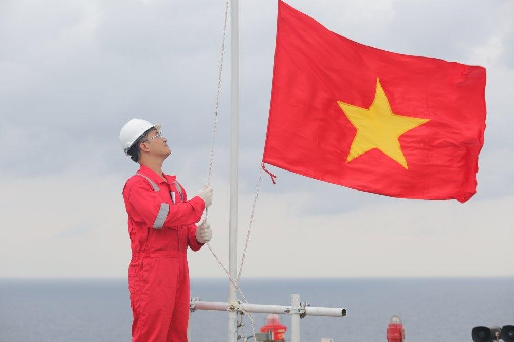 Về các dự án Dầu khí ở miền Trung Việt Nam